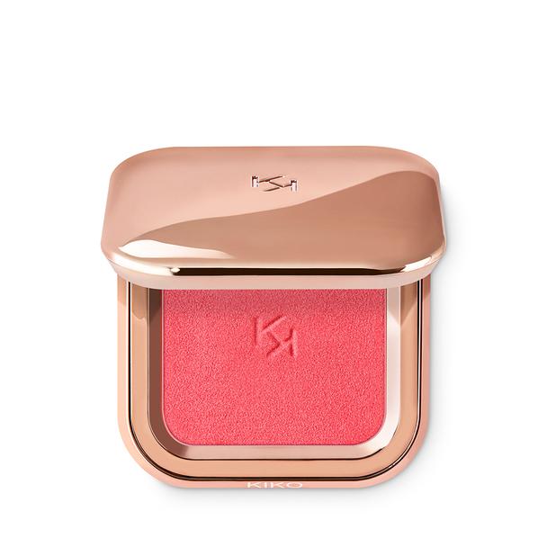 b9bc79643d98 Acquista subito online il blush in polvere modulabile dal finish metallico.  Scopri di più sul nostro sito!